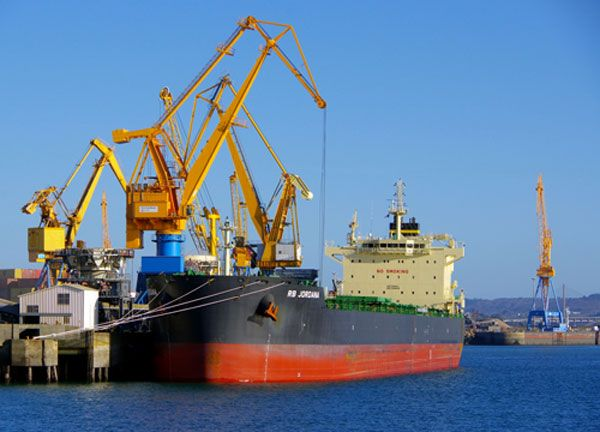 Port and industrial logistics MARITIME KUHN is present in every commercial port around France